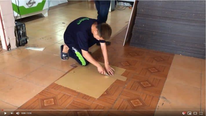 Hướng dẫn cắt tấm nhựa mica đơn giản tại nhà