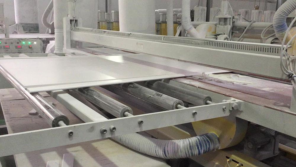sản xuất tấm nhựa pvc foam