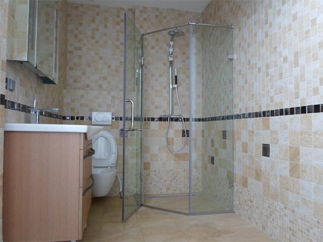 vách ngăn phòng tắm, cabin tấm làm bằng tấm nhựa polycarbonate