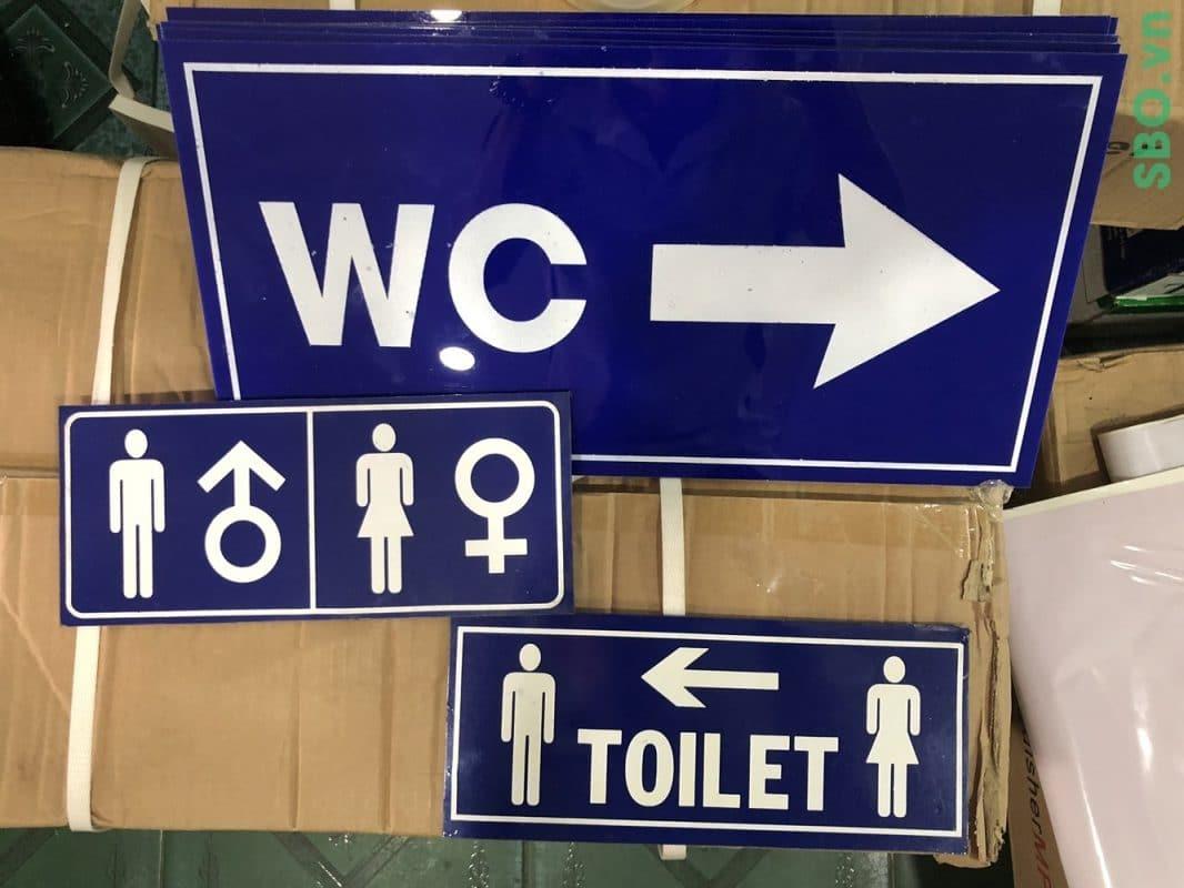 bảng chỉ hướng wc