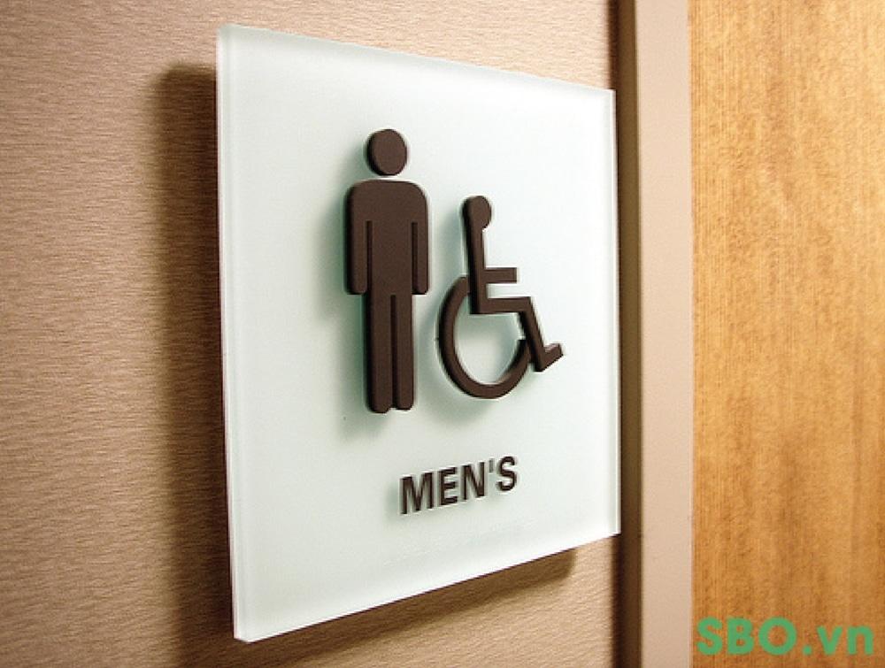 biển báo toilet mica nổi 3D