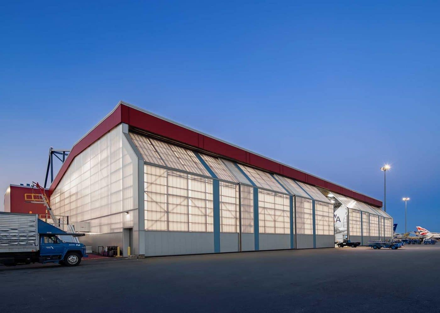 công trình lấy sáng trong nhà máy sản xuất
