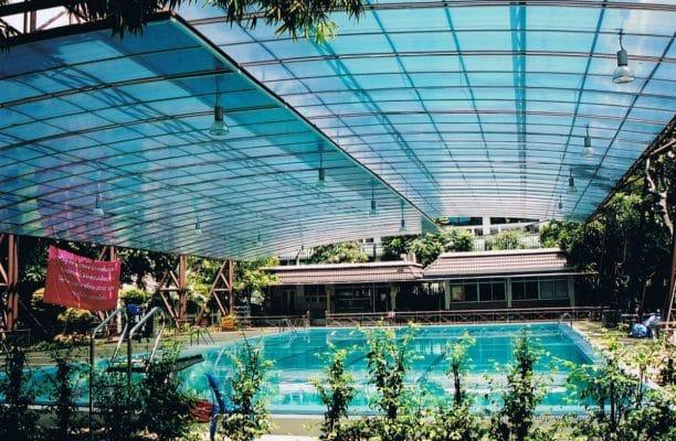 lợp mái nhà kính nông nghiệp trồng hoa từ tấm nhựa lấy sáng polycarbonate