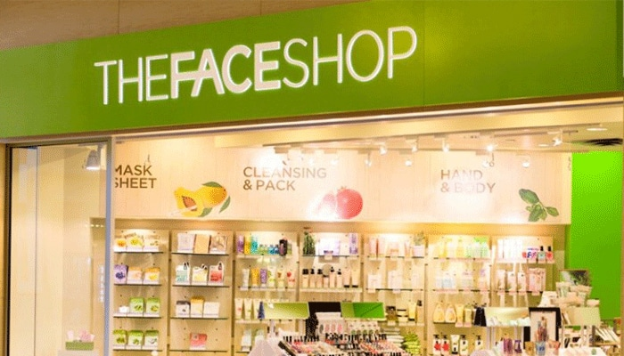 bảng hiệu quảng cáo chưng bày bán mỹ phẩm