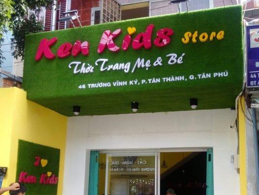 Bảng hiệu cỏ nhân tạo chữ nổi cửa hàng