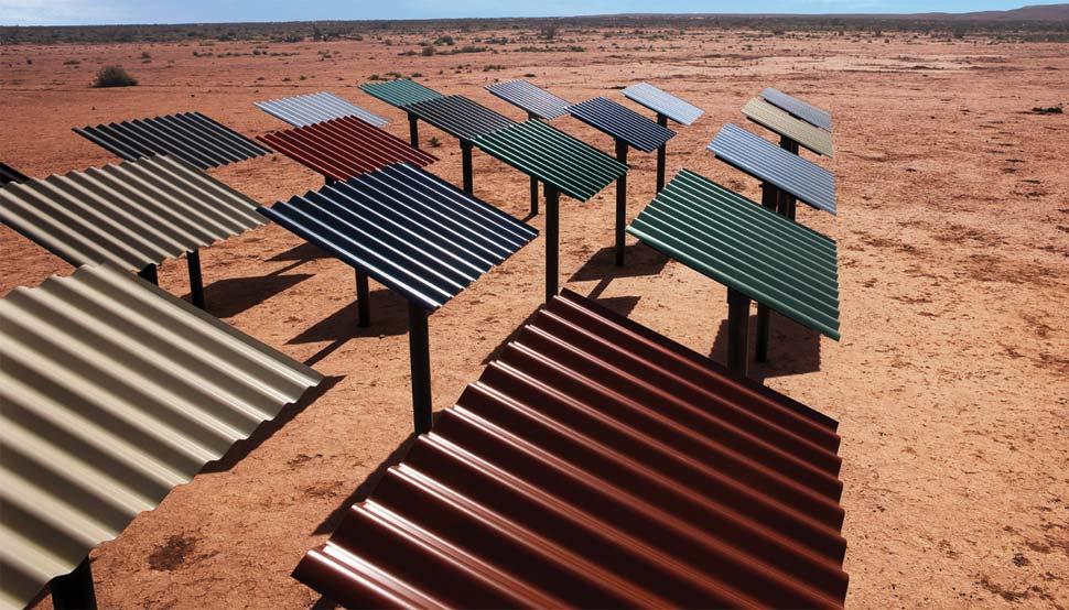 Thử nghiệm tấm lợp chống cháy dưới ánh nắng sa mạc
