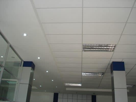 trần nhà ốp alu