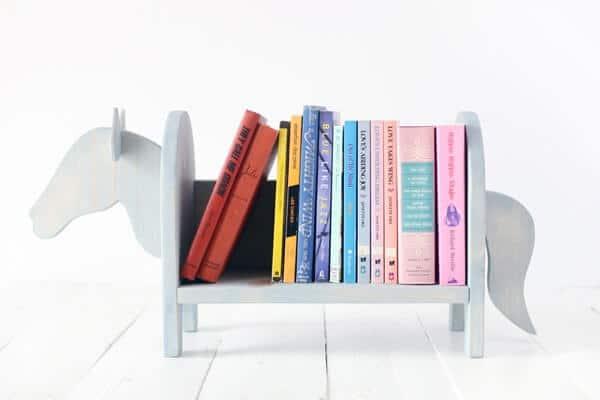Kệ sách để bàn handmade hình con ngựa