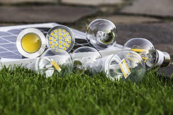 Đèn năng lượng mặt trời có mấy loại, nên mua loại nào tốt
