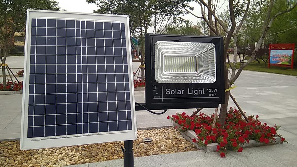 Ưu điểm khi sử dụng đèn chiếu sáng năng lượng mặt trời