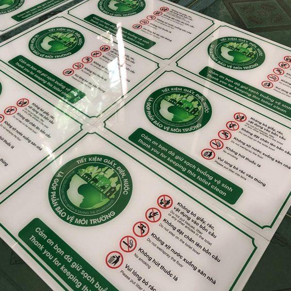 Bảng Mica giữ vệ sinh chung bảo vệ môi trường