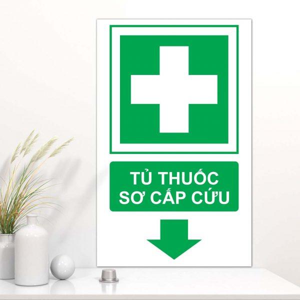 Bảng Mica chỉ dẫn khu vực tủ thuốc sơ cấp cứu