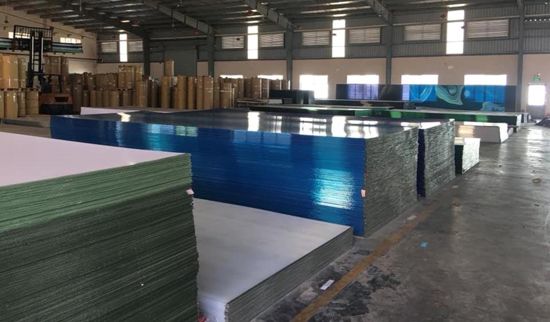 Nhà máy sản xuất tấm lợp lấy sáng thông minh polycarbonate thương hiệu Solite