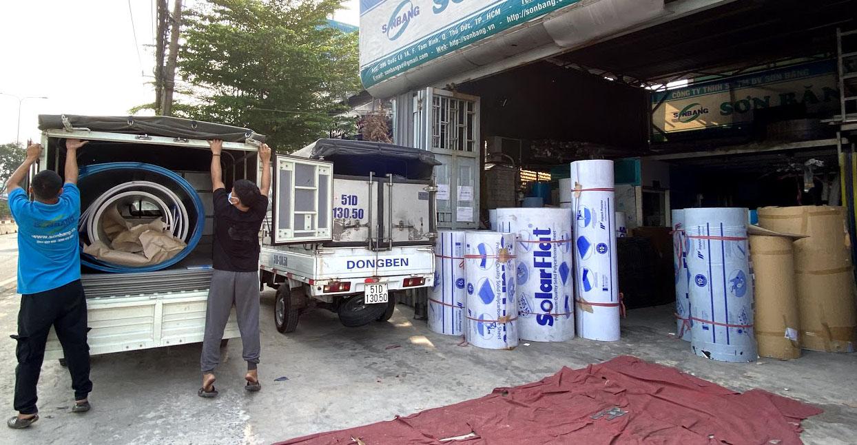 Đại lý bán tấm lợp lấy sáng polycarbonate đặc ruột Solarflat SBO tại Sài Gòn